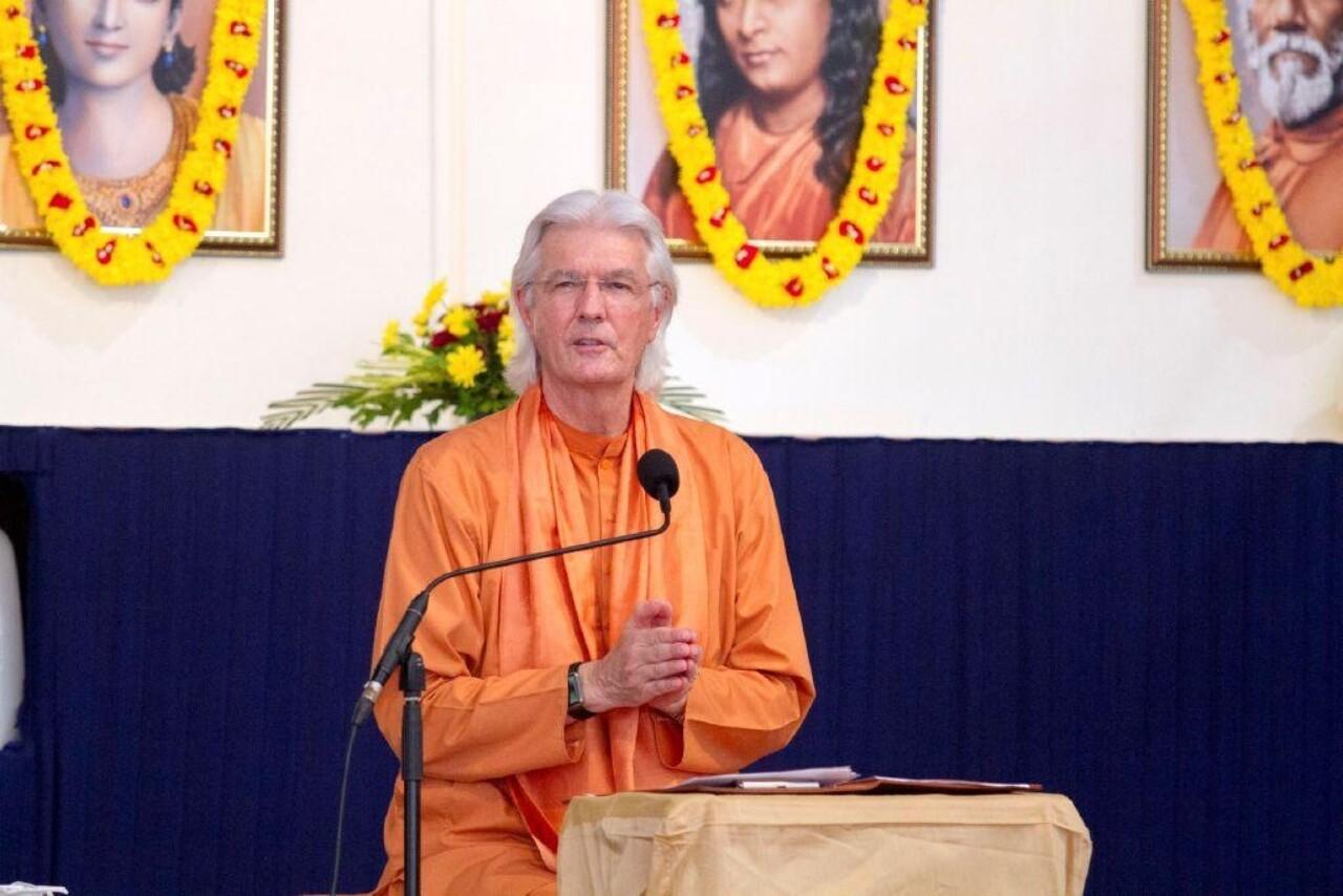 Brother Chidananda In Mumbai November 10 Delivering Satsanga 2
