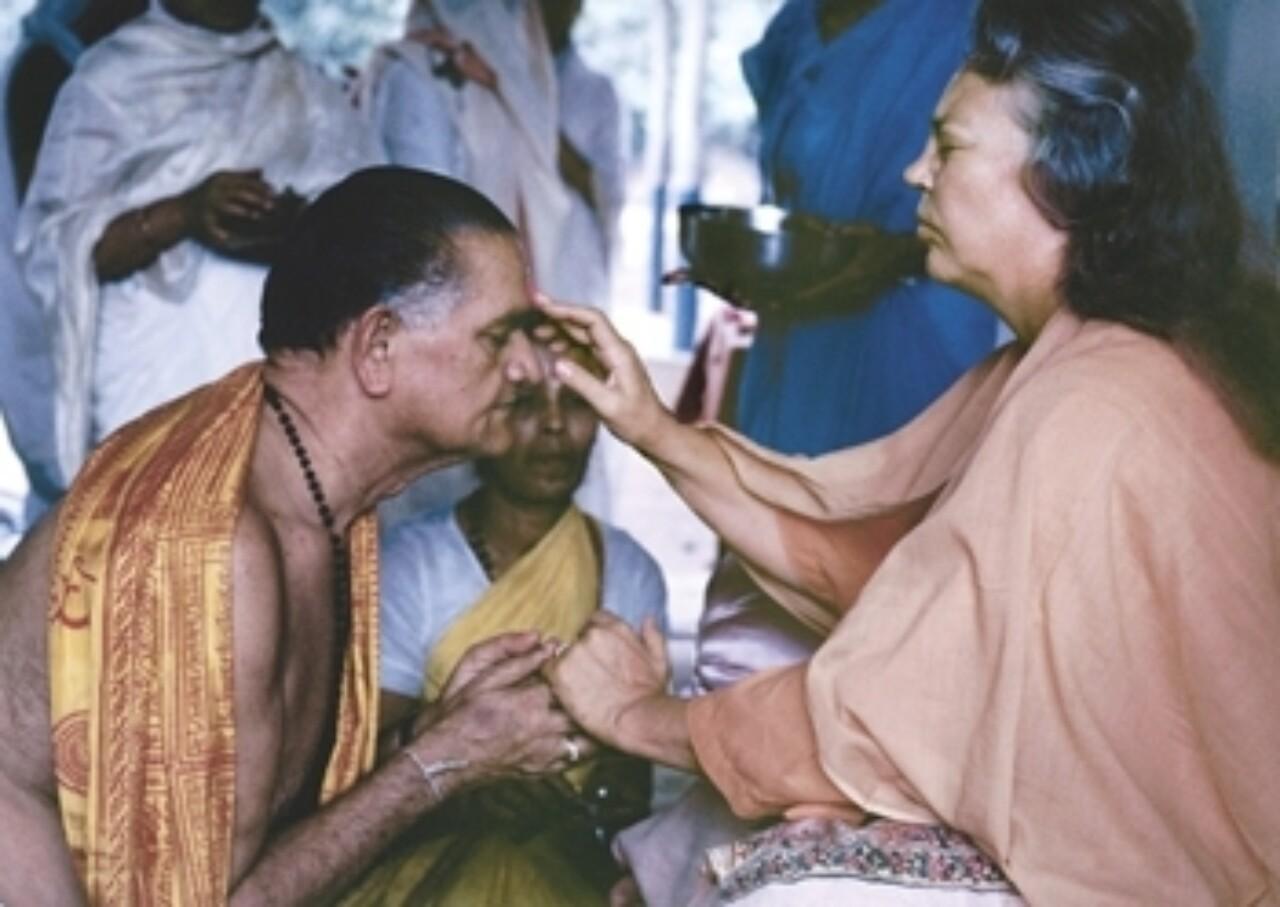 Sri Daya Mata Places Tilak